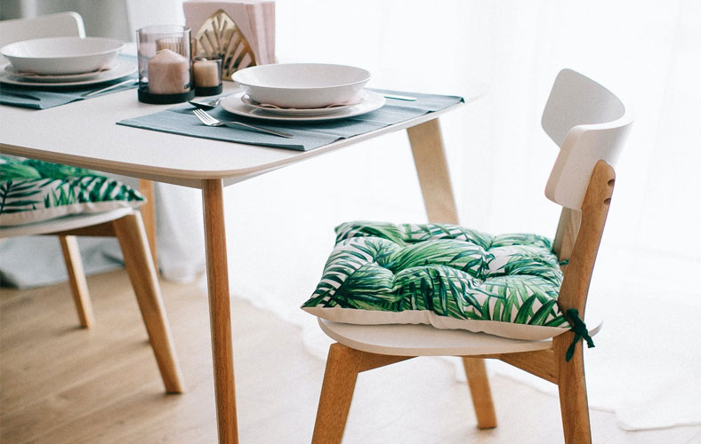 Postimage 9 Best Pieces of Sustainably Designed Furniture to Relax On Dinner Table Set - 9 Best Pieces of Sustainably Designed Furniture to Relax On